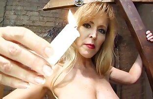 Lovelace sprawia, że mężczyzna z rudowłosej zabawy erotyczne filmiki kobiety w szatni