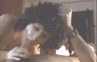 Japonka leży na zielonej poduszce, a potem cipki do dwóch azjatyckich facetów , filmy erotyczne po polsku za darmo