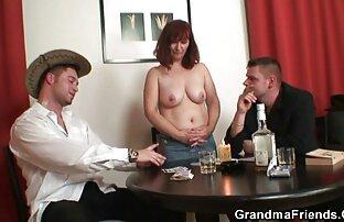 Tatuaż głaszczący jej duże piersi filmy erotyczne ostre za darmo przed spuszczeniem do środka